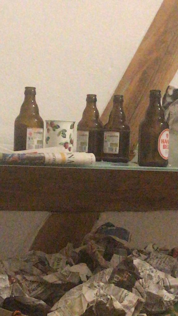 Bier: Schmeckt am besten mit Freunden, die beim Umzug helfen :)